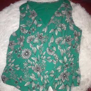 Green short sleeve blouse